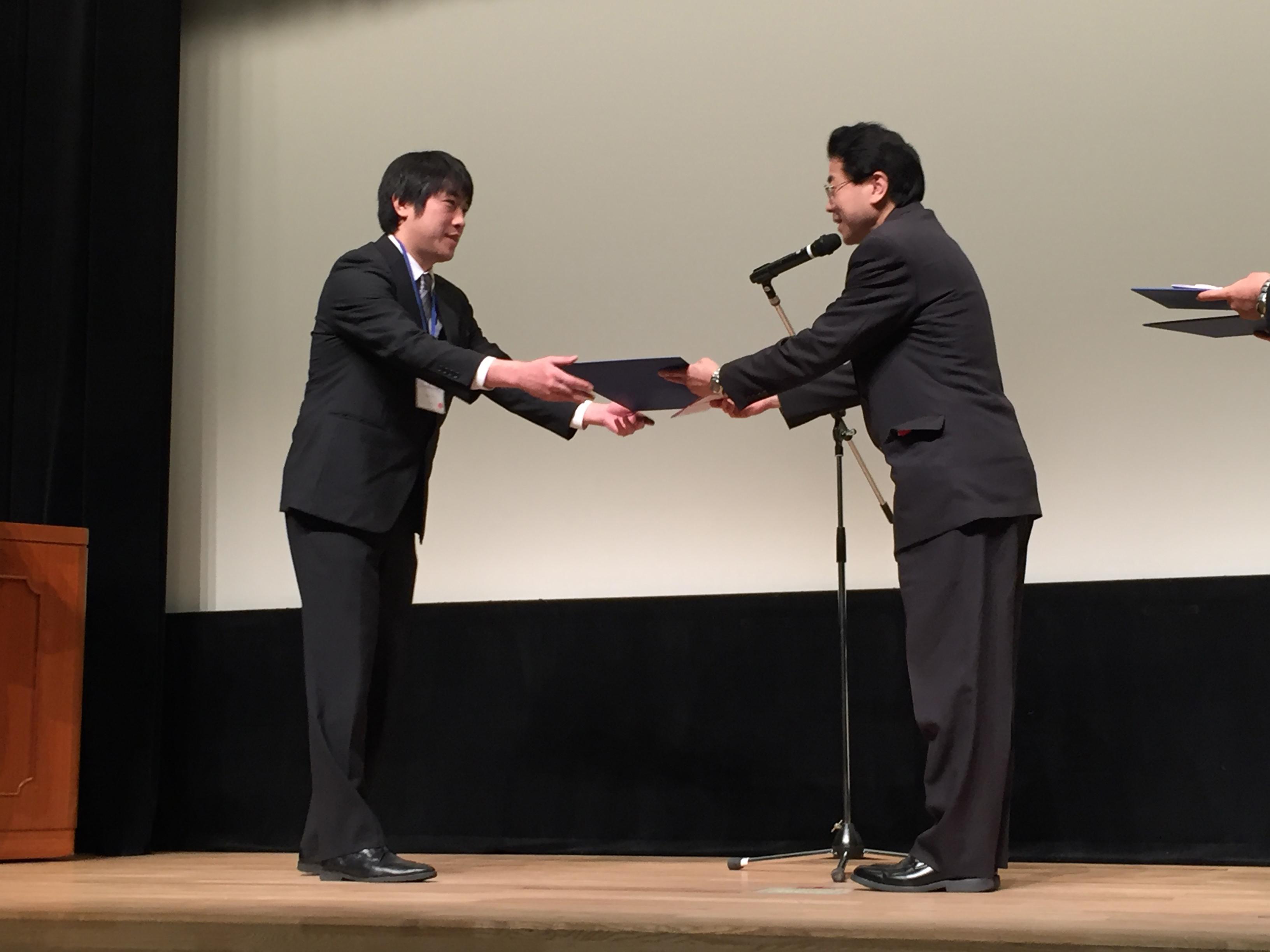 授賞式(谷口君)-2